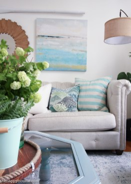 Inspiring Living Room Ideas With Beachy And Coastal Style45