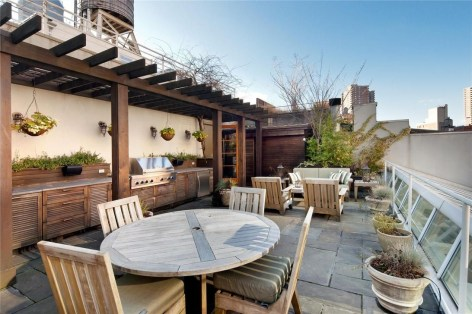 Inspiring Wooden Floor Design Ideas On Balcony For Your Apartment 14