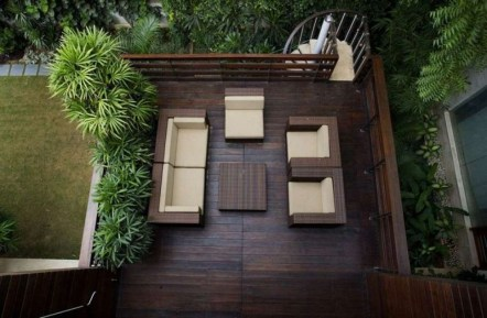Inspiring Wooden Floor Design Ideas On Balcony For Your Apartment 22
