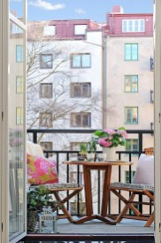 Inspiring Wooden Floor Design Ideas On Balcony For Your Apartment 30