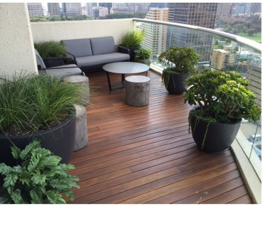 Inspiring Wooden Floor Design Ideas On Balcony For Your Apartment 45