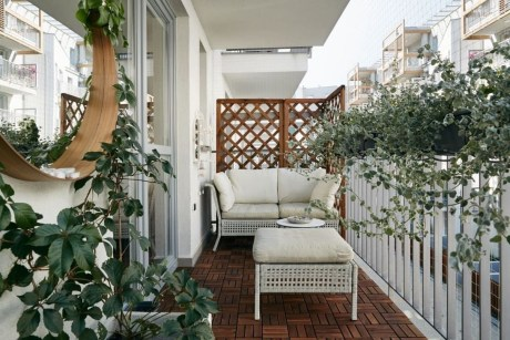 Inspiring Wooden Floor Design Ideas On Balcony For Your Apartment 48