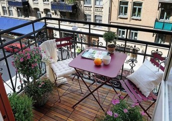 Inspiring Wooden Floor Design Ideas On Balcony For Your Apartment 52