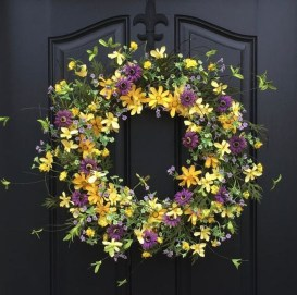 Pretty Hang Wreath Ideas In Door For Summer Time 05