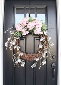 Pretty Hang Wreath Ideas In Door For Summer Time 10