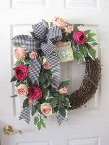 Pretty Hang Wreath Ideas In Door For Summer Time 11