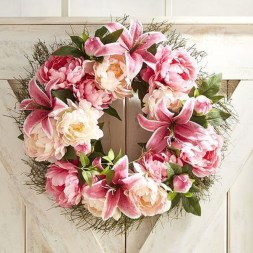 Pretty Hang Wreath Ideas In Door For Summer Time 22