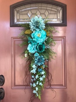 Pretty Hang Wreath Ideas In Door For Summer Time 27