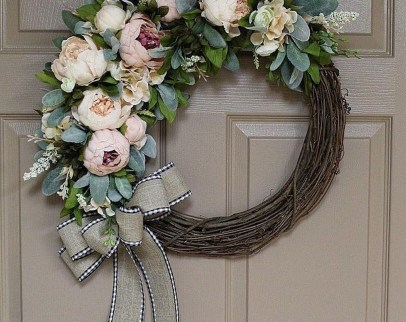 Pretty Hang Wreath Ideas In Door For Summer Time 29