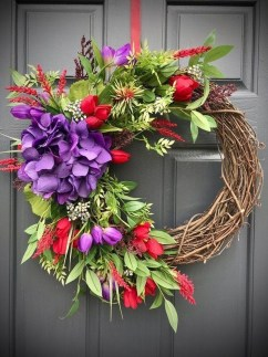 Pretty Hang Wreath Ideas In Door For Summer Time 38