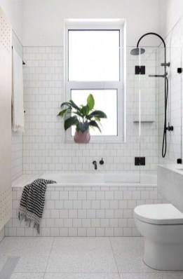 Smart Remodel Bathroom Ideas With Low Budget For Home 15