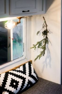 Splendid Christmas Rv Decorations Ideas For Valuable Moment16