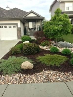 Amazing Front Yard Landscaping Ideas With Low Maintenance To Try31