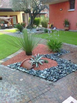 Amazing Front Yard Landscaping Ideas With Low Maintenance To Try37