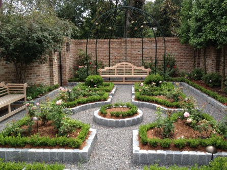 Inspiring Garden Ideas That Are Suitable For Your Home09