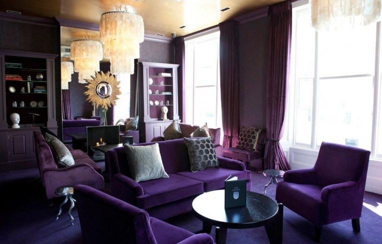Modern Living Room Ideas With Purple Color Schemes04