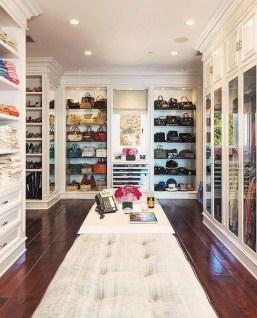 Best Minimalist Walk Closets Design Ideas For You02