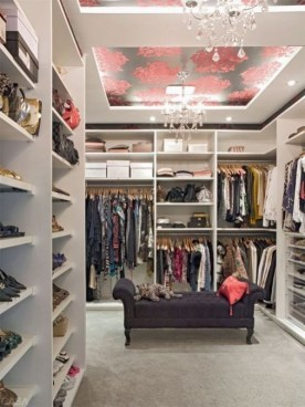Best Minimalist Walk Closets Design Ideas For You37