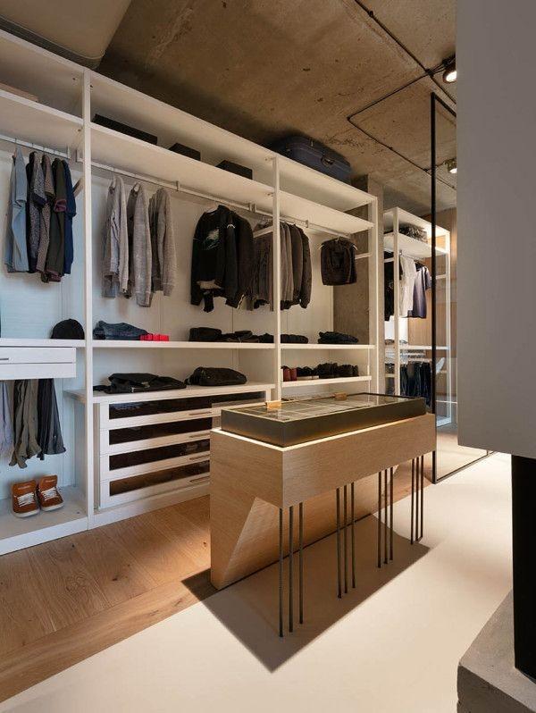 Best Minimalist Walk Closets Design Ideas For You40