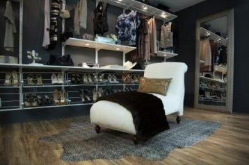 Best Minimalist Walk Closets Design Ideas For You42