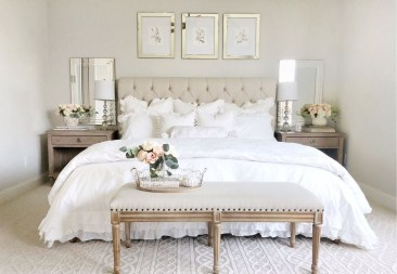 Magnificient Farmhouse Bedroom Decor Ideas To Try Now10