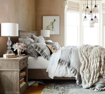Magnificient Farmhouse Bedroom Decor Ideas To Try Now25