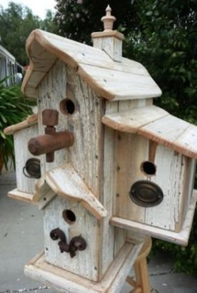 Magnificient Stand Bird House Ideas For Garden09