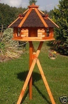 Magnificient Stand Bird House Ideas For Garden20