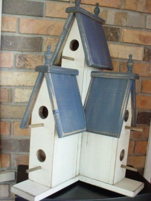 Magnificient Stand Bird House Ideas For Garden28