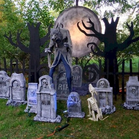 Stylish Outdoor Halloween Decorations Ideas That Everyone Will Be Admired Of41