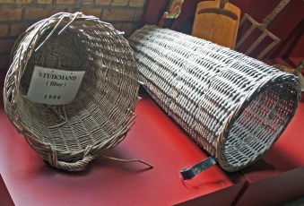 Huckmucks or mash tun strainers: 'stuikmand' literally means 'butt basket'. That's 'butt' as in 'large cask' ...