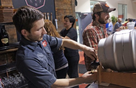 Virginia Beer Co's head brewer, Jonathan Newman, serves me a glass of stout: tha's not really cask-conditioned, it was racked bright into the pin, but it tasted fine